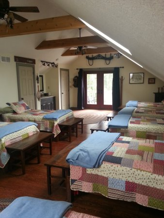 Zoar, OH: Chloe's Room - Can sleep up to 7 guests in twin beds