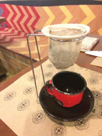 Forneria Santa Filomena: Sensacional cafezinho de coador, Tirado na mesa!!! Hummmm