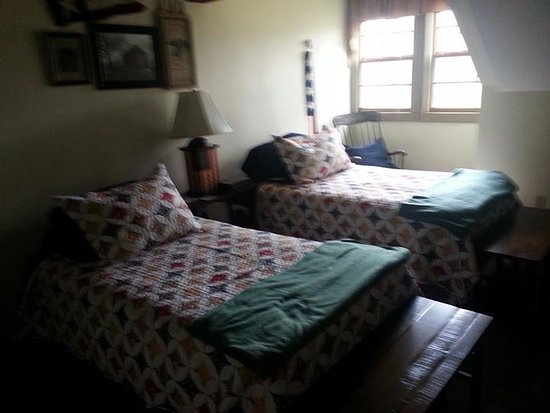 Zoar, OH: Elizabeth's Room - Sleeps 2 guests in twin beds