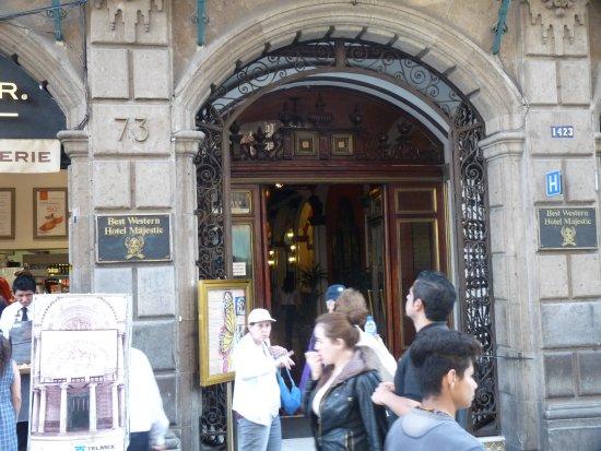 BEST WESTERN Hotel Majestic: Front Door