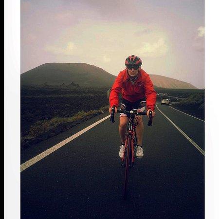 Bueno Bike Lanzarote: Grip tight , super fast ascending