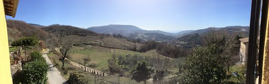 Valtopina, Italy: Panorama dalla camera