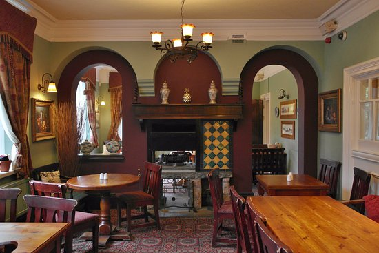 Edale, UK: lovely old pub