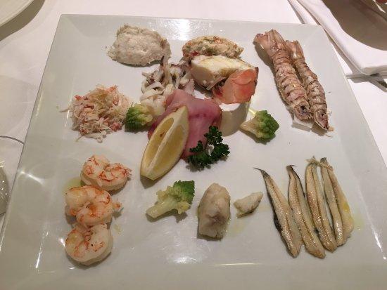 Aurora italian restaurant strada madonna marina 112 in for Aurora italian cuisine