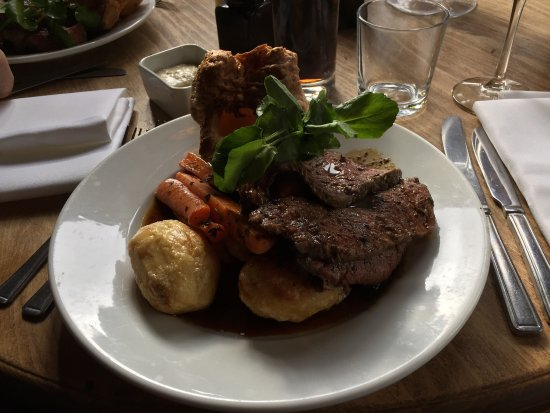 The Halfway Inn: Sunday lunch at its best