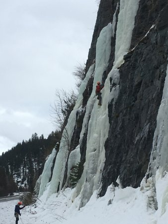 Columbia Falls, MT: Ice climbing at Stone Hill