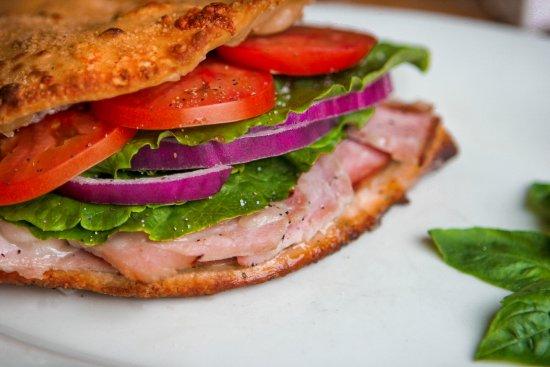 Folsom, Califórnia: Ham & Cheese Oven Baked Sandwhich