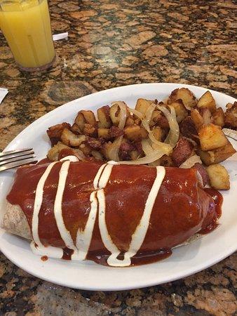 Порт-Сент-Люси, Флорида: My husband and I eat here a lot. Today I had a breakfast burrito. It was amazing!!! And big enou