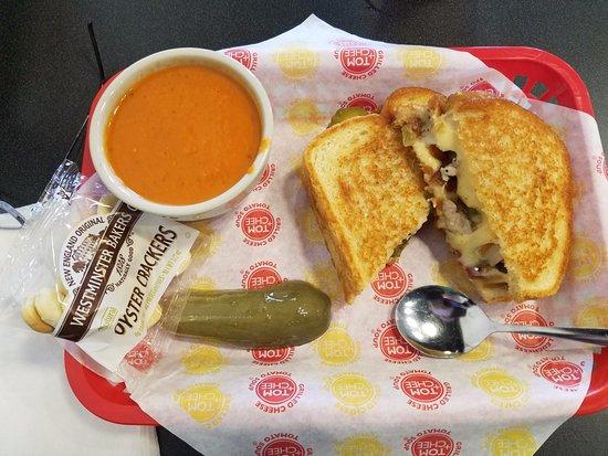 Canton, MI: Melt Combo: Flying Pig & Tomato Basil Soup!