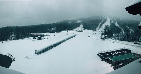 East Burke, VT: View of The Gap from the pub of the same name. Outdoor pool and hot tub, and the high speed quad