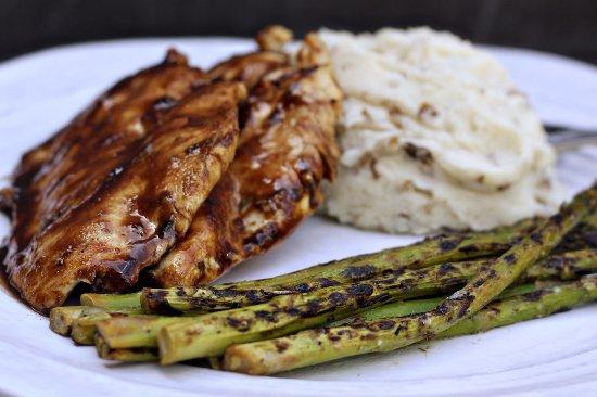 Pickerington, Οχάιο: Balsamic Glazed Chicken