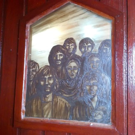 Dunfanaghy, Irlanda: Pictures in the entrance door