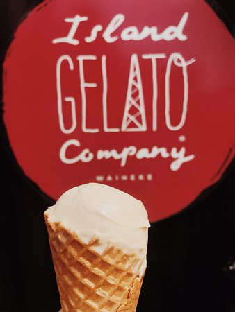 Waiheke Island, New Zealand: gelato place in town