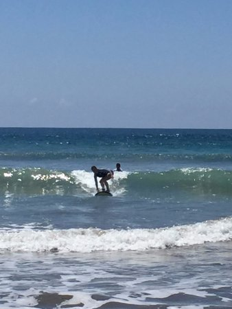 Playa Flamingo, Costa Rica: Great waves for beginners!