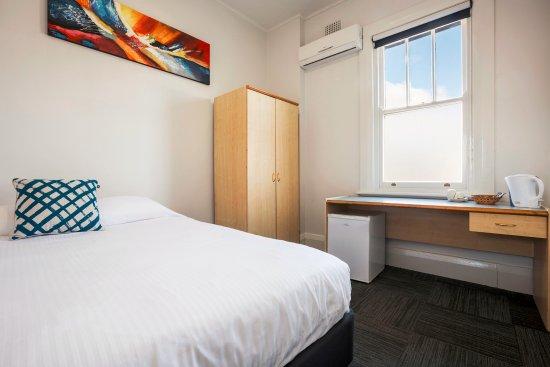 Auburn, Australia: Economy King Room - Shared Facilities