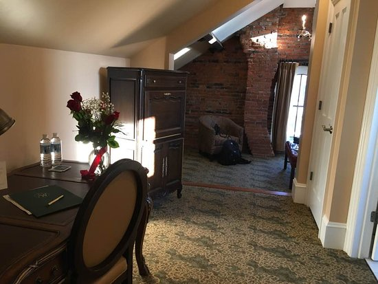 Sellersville, PA: small room in hallway