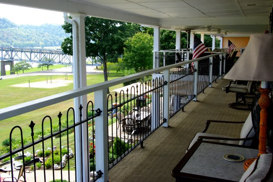 Balcony - Picture of Riverboat Inn and Suites, Madison - Tripadvisor