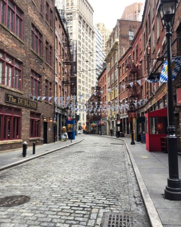 Photo of Monument / Landmark Stone Street Historic District at 5 Hanover Sq, New York City, NY 10004, United States