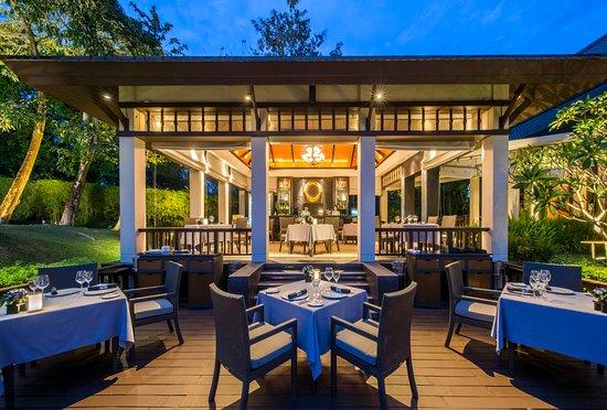 Banyan Tree Phuket Restaurant Review