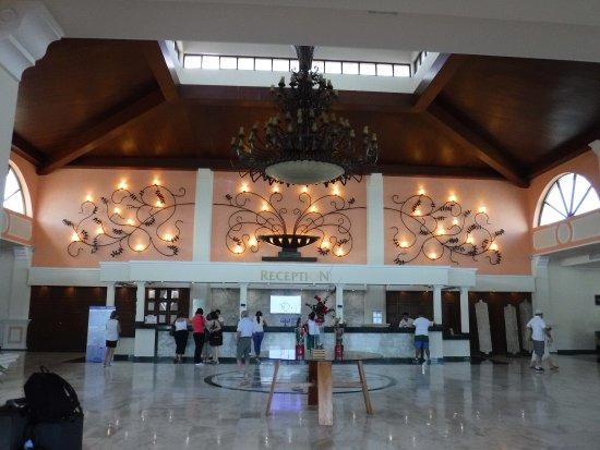 Sandos Playacar Beach Resort: Reception Area