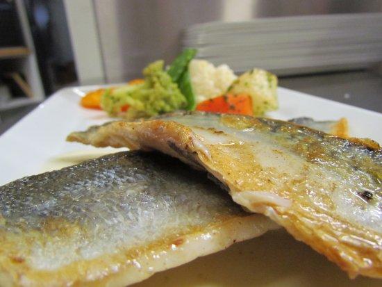 Portet-sur-Garonne, Francia: Filets de poissons grillés