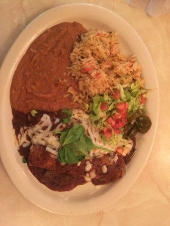 Chuy's : Veggie enchiladas