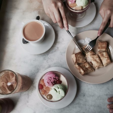 Seria, Brunei Darussalam: Jelly ice cream, Teh C and french toast