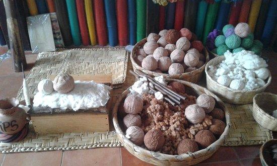 San Juan la Laguna, Guatemala: 3 diferentes tipos de algodones naturales para hacer hilo