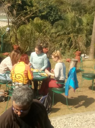 Kathmandu Valley, Nepal: Sun & lunch...