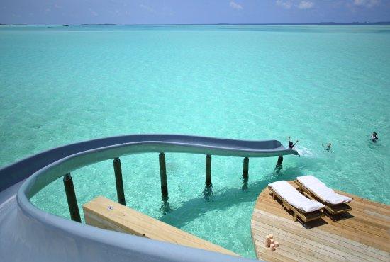 Noonu Atoll: Slides in Villa