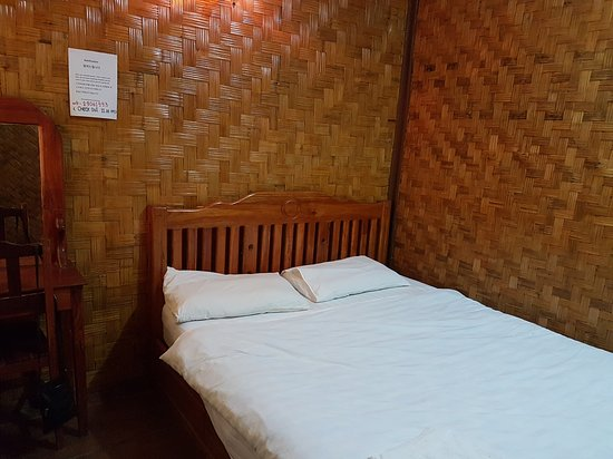 Phoomchai guesthouse updated 2017 reviews price for Domon guesthouse vang vieng