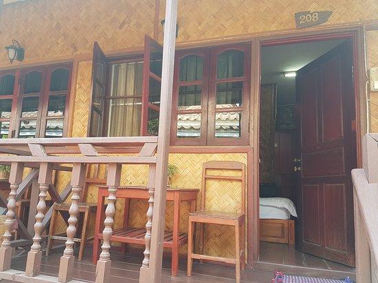 Phoomchai Guesthouse: 20170216_140916_large.jpg