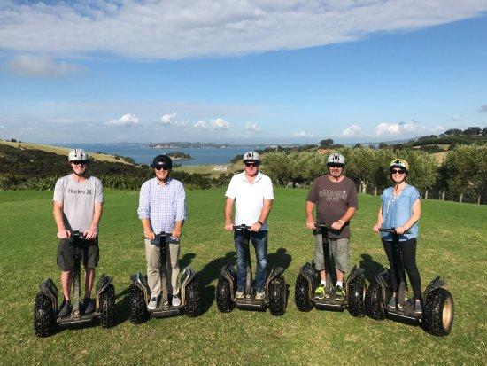 Oneroa, Nueva Zelanda: Fantastic views from the wineries