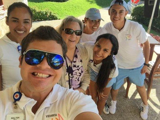 Sea Garden Mazatlan: Having fun with the Joy Squad at the actives Center at the pool