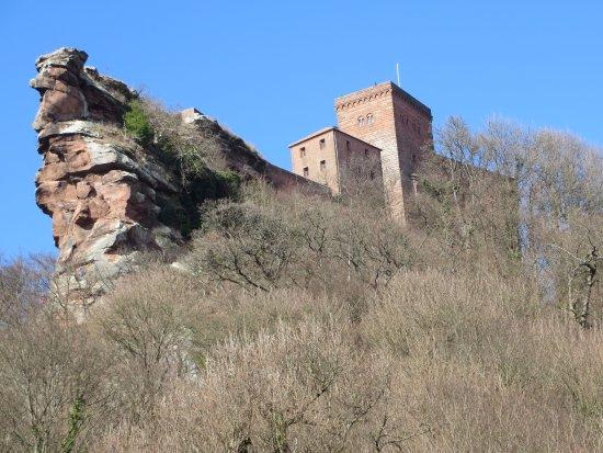 Annweiler am Trifels, Tyskland: vue depuis la terrasse du resto
