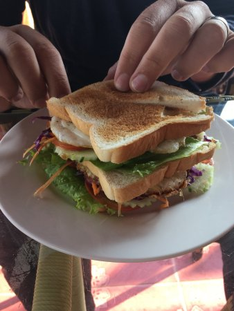 Khammouane, Laos: Fried egg sandwich