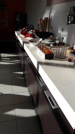 Holiday Inn Express Strasbourg - Sud : Une petite partie du buffet