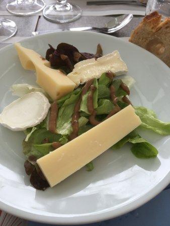Bourcefranc le Chapus, Prancis: Assiette 3 fromages et sa salade