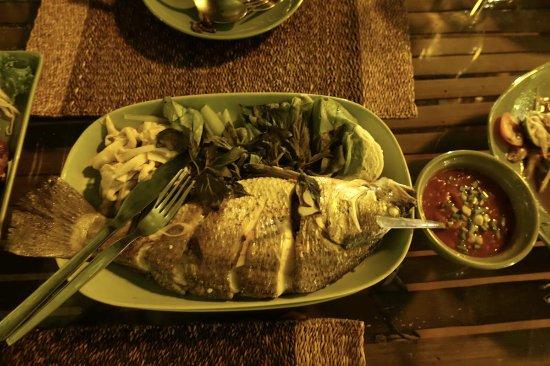 Balee Laos : 魚料理