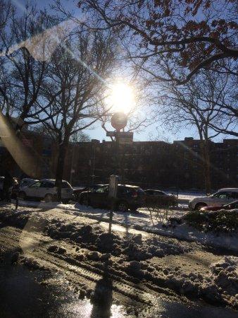 Maspeth, Estado de Nueva York: New York waking up after the blizzard