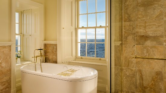 Turnberry, UK: The Lighthouse Suite Bathroom