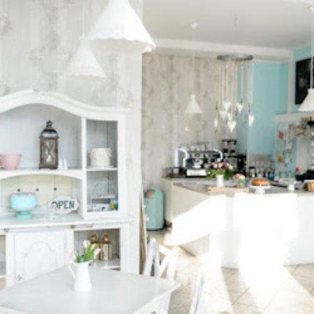 herzst ck das kuchenatelier magdeburg restaurant bewertungen telefonnummer fotos. Black Bedroom Furniture Sets. Home Design Ideas