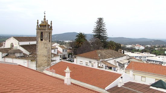 Hospedaria Dom Fernando: It's worth going onto the hotel's rooftop terrace to see the views over Loule