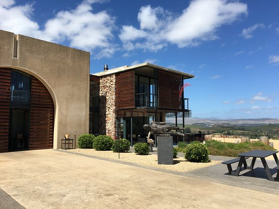 Elgin, South Africa: Almenkerk Wine Estate Tasting Room