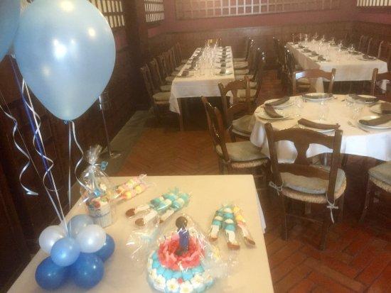 Tres Cantos, España: Aquí puede celebrar desde cumples a bodas. El salón está listo.