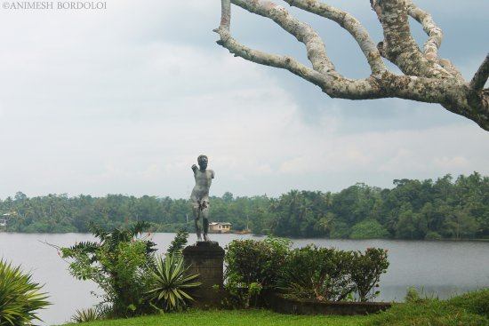 Bentota, Sri Lanka: Overlooking the Dedduwa lake