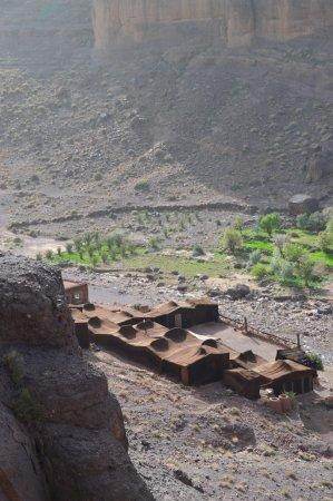 Ouednoujoum Ecolodge:  le bivouac vue de la montagne