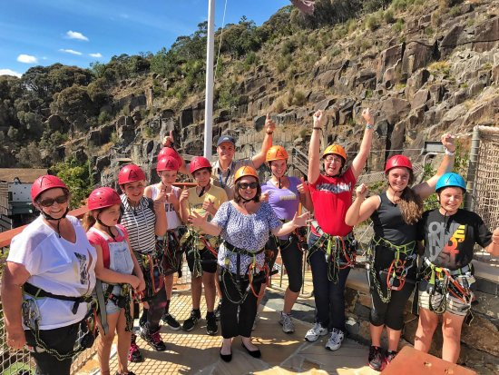 Launceston, Australien: A group of adventurers about to Zip, Cliff Walk and a couple will Quick Jump too!