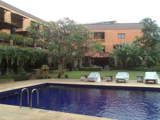 هوليداي جاردن هوتل آند ريزورت تشيانج ماي: Garden and Pool