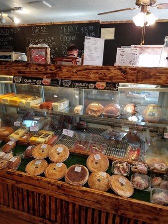 Irwin, PA: Fresh Deli items and pies